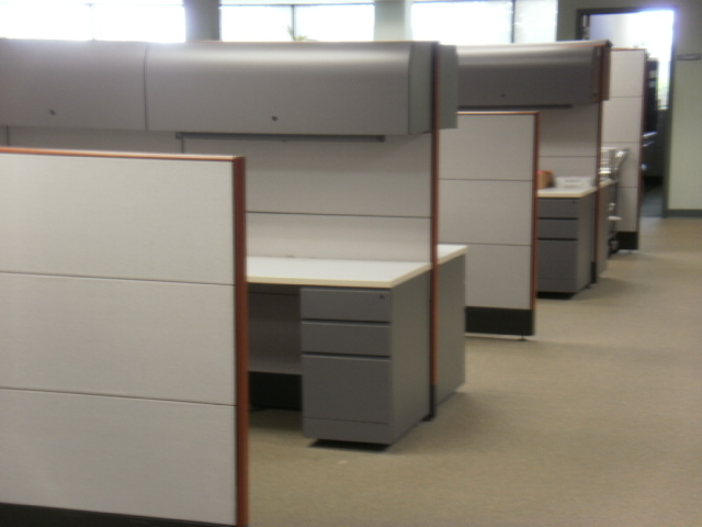 77 Knoll Reff Cubicles Used Cubicles