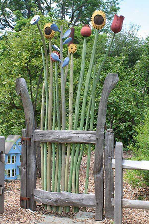 22 Insanely Charming Garden Gate DIY Projects Protecting Greenery in Style usefuldiyprojects.com outdoor space decor (16)