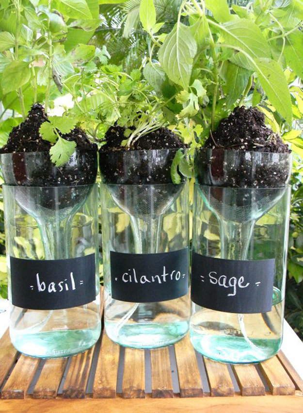 23+ Fascinating Ways To Reuse Glass Bottles Into DIY Projects Creatively usefuldiyprojects.com ideas (24)