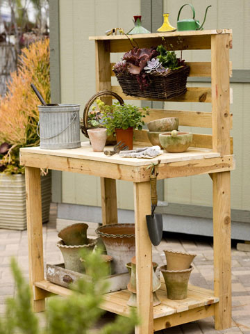 25 Fabulous Ways to Transform Wooden Pallets Into Pieces of Furniture usefuldiyprojects (24)
