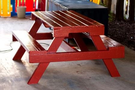 25 Fabulous Ways to Transform Wooden Pallets Into Pieces of Furniture usefuldiyprojects (27)