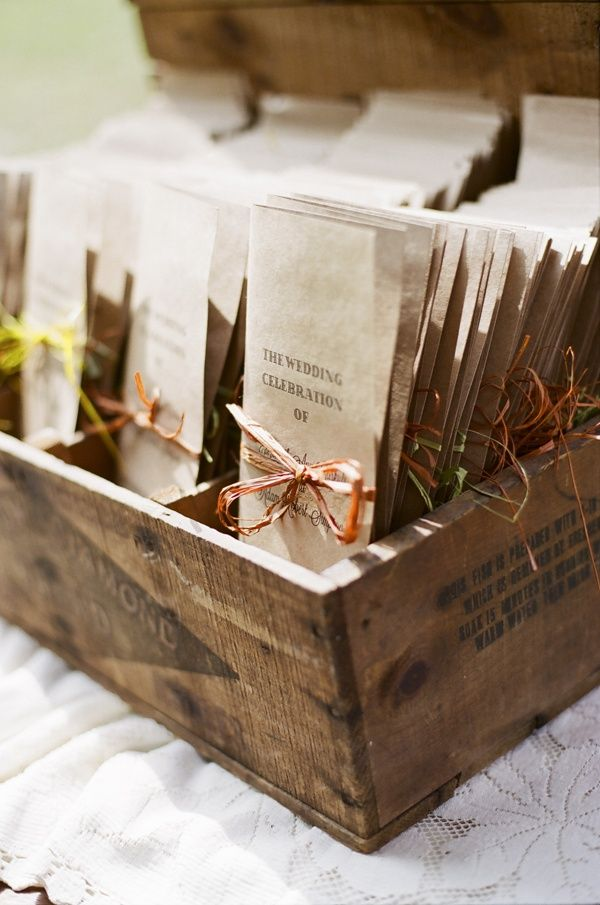 29 Ways To Be Sustainable by Decorating With Wooden Crates usefuldiyprojects.com decor ideas (12)