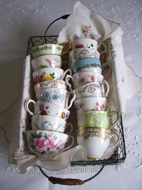 25.superb Coffee Cups In Vintage Basket