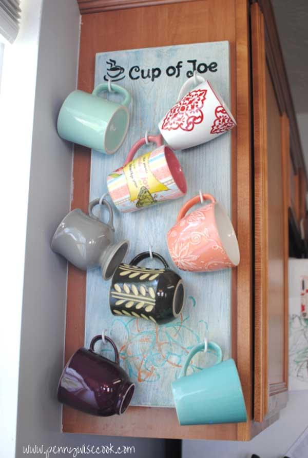 30 Extraordinary Creative and Graphic DIY Mug Storage To Beautify Your Kitchen  usefuldiyprojects.com decor (5)