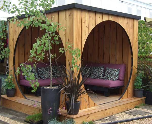 31 Ingeniously Cool Ideas to Upgrade Your Patio This Season usefuldiyprojects.com decor ideas (7)
