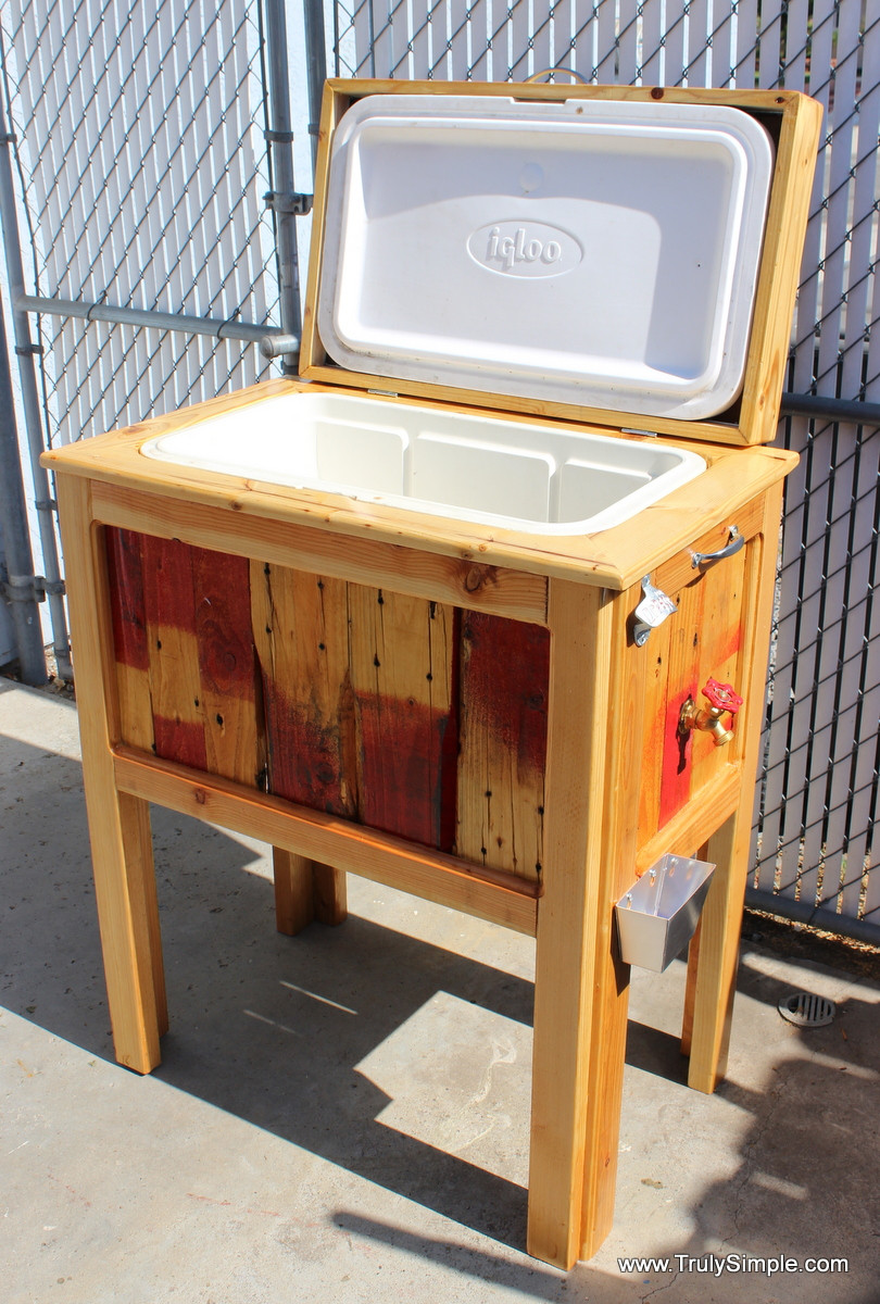 33 Insanely Smart and Creative Wooden Pallets Recycling Ideas Worth Doing usefuldiyprojects.com decor (13)