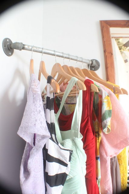 Clothing Storage Solutions For Small Spaces-usefuldiyprojects (21)