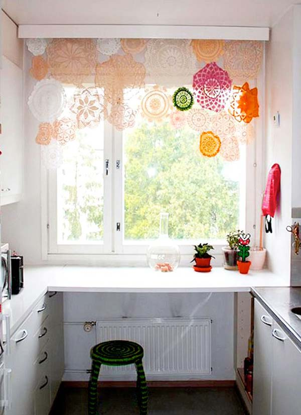 22 Mesmerizing Handmade DIY Lace Crafts To Beautify Your Home usefuldiyprojects.com (23)