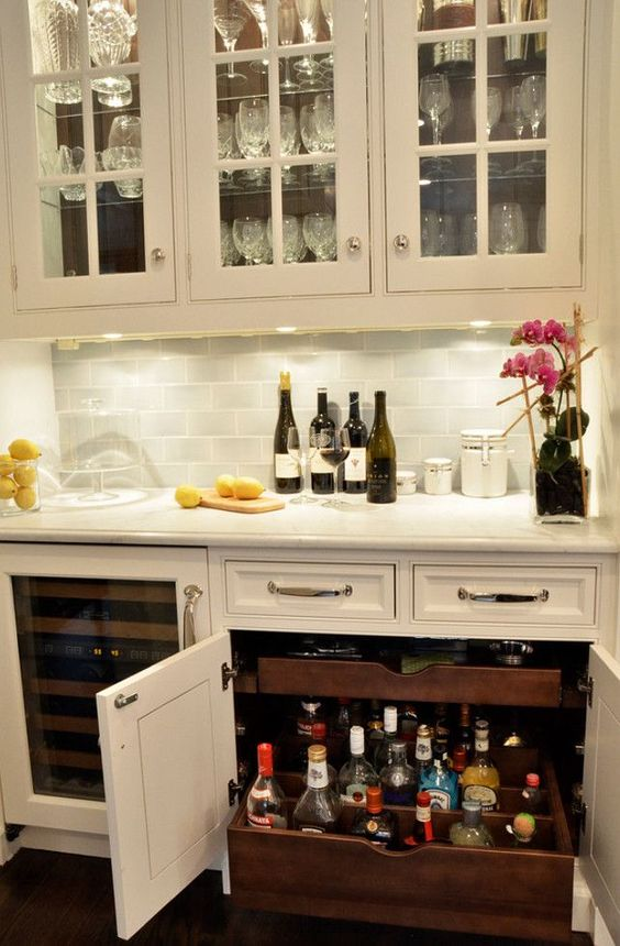 11. Elegance Showcased In This Simple And Classic Design. 15 Basement Bar  Ideas ...