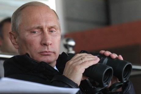 Putin Views Russian Arms On Display At Expo