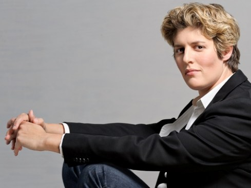 Sally Kohn headshot-studio lighting.