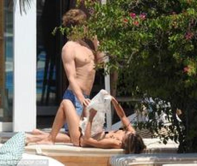 Story Kimberley Garner Topless On Vacation In Mykonos Greece