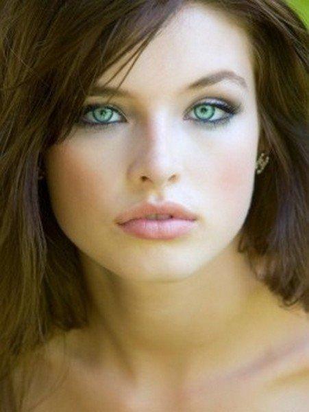 Fair Skin Brown Hair And Green Eyes