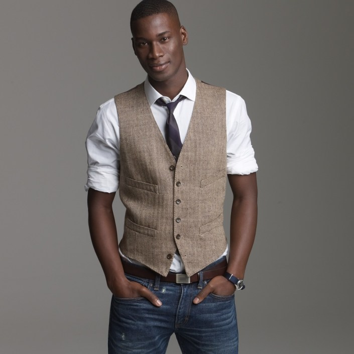 Vests are a matter of personal comfort and style when it comes to deciding whether or not to wear to a salsa club.