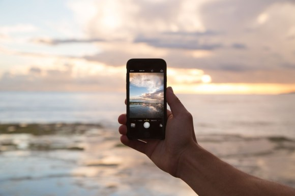 How to Make Money Taking Stock Photographs on Your Mobile Phone ...