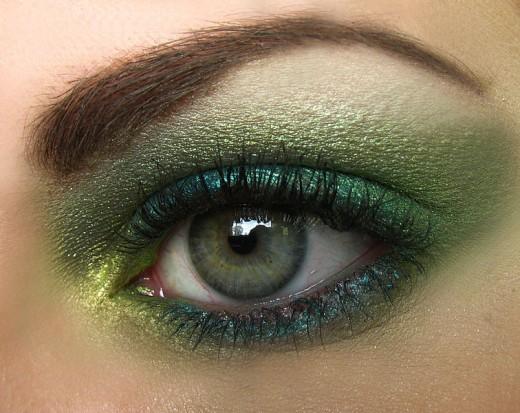 Makeup For Fair Skin, Brown Hair, And Green Eyes
