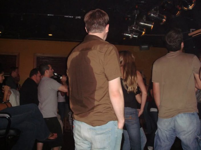 Sweat is a big issue for both men and women in salsa clubs