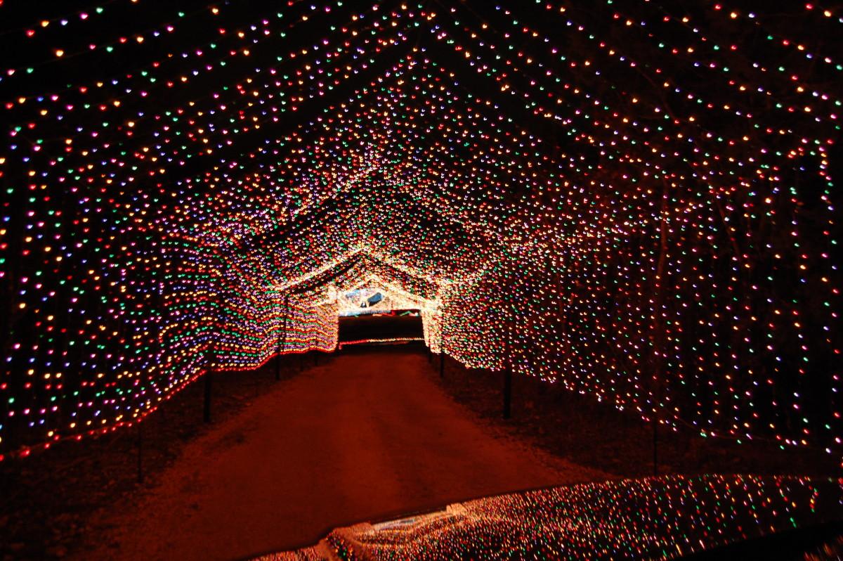 12 Houses With Christmas Lights Set To Trans Siberian