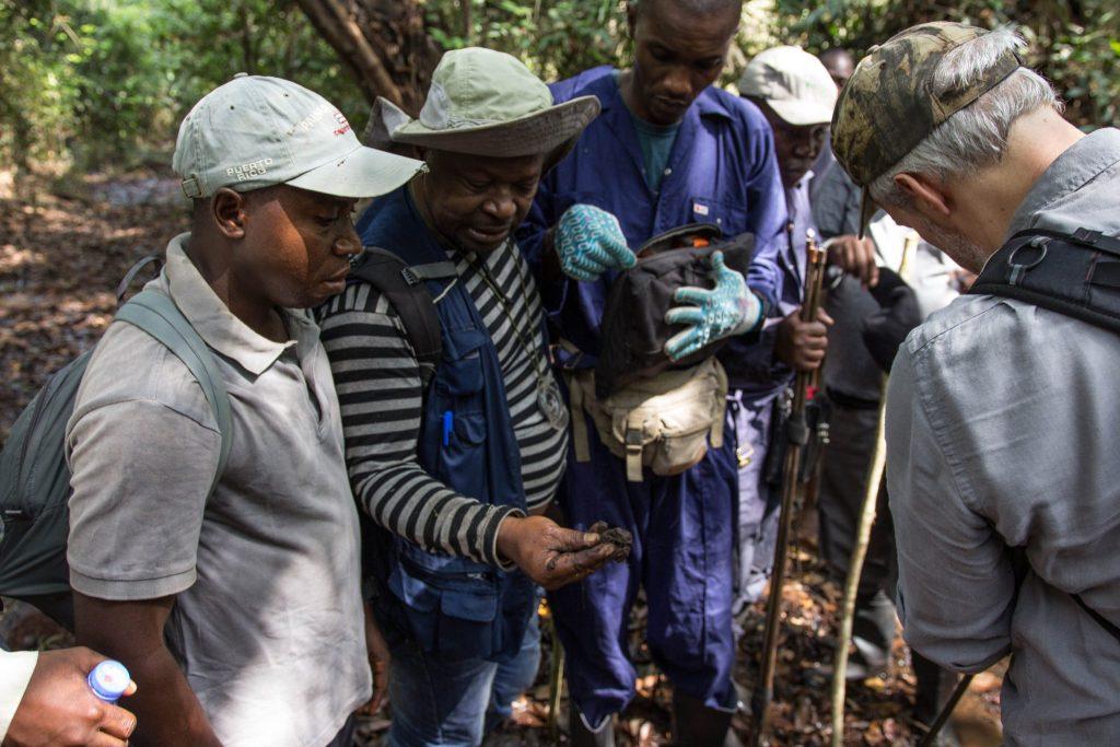 Training on peat measurement in Mbandaka, DRC