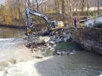 Partially removed dam at Finesville. Credit: Bill Leavens, Musconetcong Watershed Association