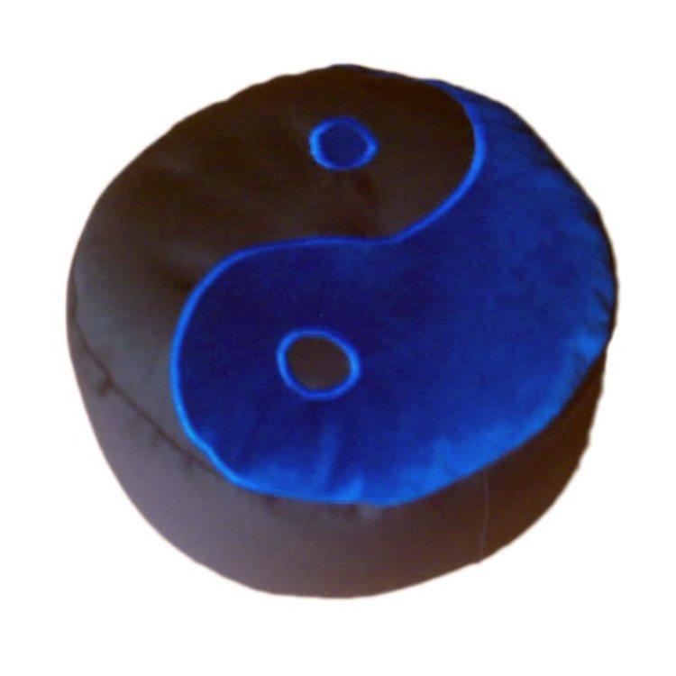 Meditatiekussen met yin yang teken, blauw op zwart
