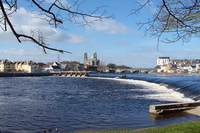 Athlone Town Council Request Quinn to Protect Maintenance Grant