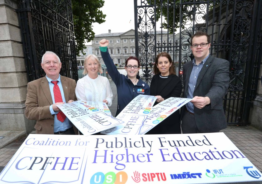 NO REPRO FEE 28/09/2016. The Coalition for Publicly Funded Higher Education to make recommendations in support of publicly funded education. The Coalition for Publicly Funded Higher Education, a group comprising of USI, SIPTU, IFUT, IMPACT and TUI hold a press conference in Buswells Hotel to make the case for publicly funded third level education, including how it would work, why it is vital for the future of the country and how publicly-funded third level education has worked in other countries. Pictured are (LtoR) Mick Jannings, IFUT General Secretary, Gina O'Brien, IMPACT Chair of Education Division, Annie Hoey, USI President, Joanne Irwin President of the Teachers Union of Ireland and Dan O'Neill, Siptu, Compaign and Equality Dep. Photography: Sasko Lazarov/Photocall Ireland