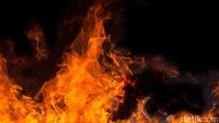 Kebakaran Besar Landa Mal Medan Plaza