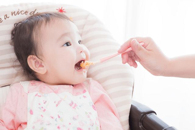 離乳食はいつから始めたらいいか新米ママに伝えたい先輩ママの体験談