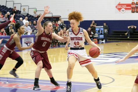 Women's basketball 'off to a really good start'