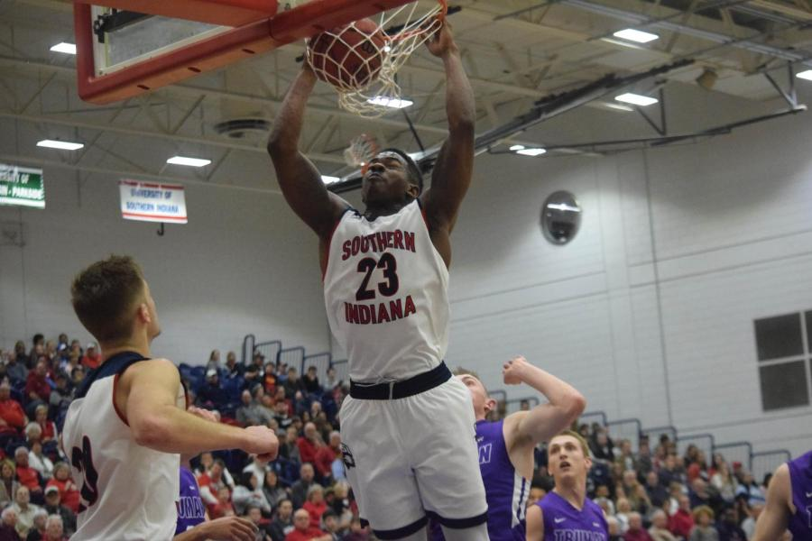 DayJar+Dickson%2C+senior+forward%2C+dunks+the+ball+against+Truman+State+Saturday+afternoon+at+the+PAC.