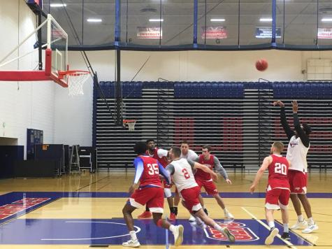 GALLERY: USI Men's Basketball vs. Fisk University