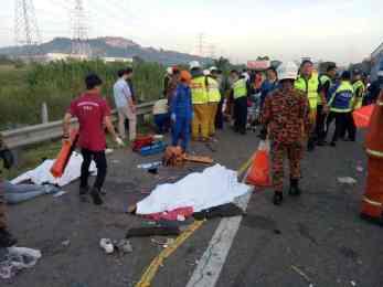 मलेसियामा नेपाली महिला कामदार बोकेको बस दुर्घटना, ८ को मृत्यु ३३ घाइते