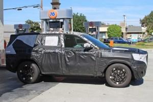 2021 Jeep Grand Wagoneer Spy Photos