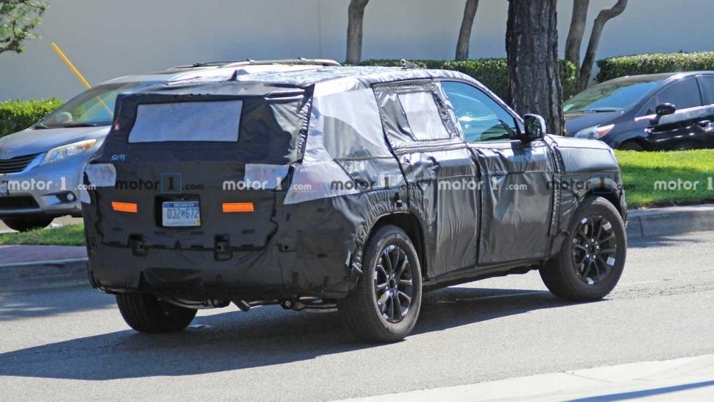 2021 Jeep Grand Wagoneer Wallpaper