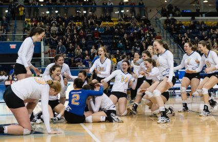 Veteran Thunderbirds earn women's volleyball redemption — U SPORTS