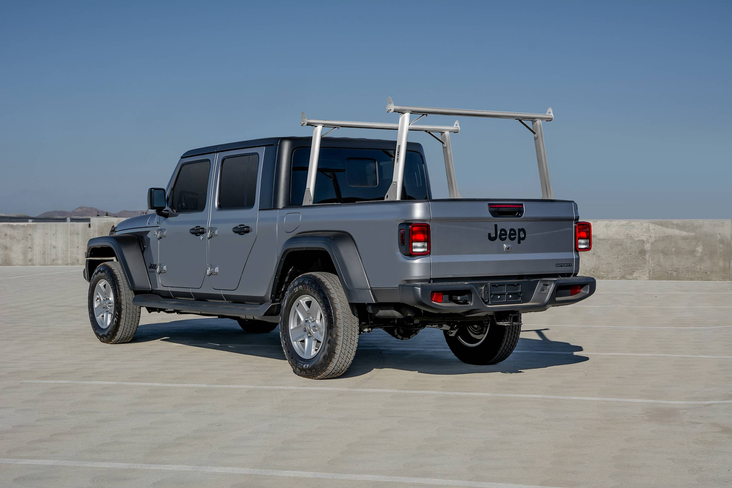 82240150 2020 jeep gladiator clipper truck rack fleetside track system above cab height brushed