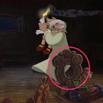 03_-_pinocchio_geppetto_chair