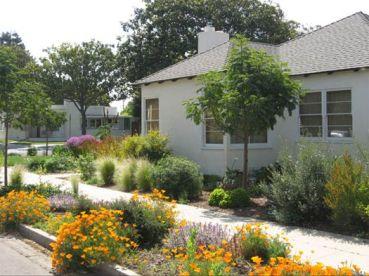 Plan a Perfect Sidewalk Garden