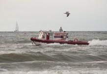 Ratownicy poszukują siedmiolatki, która zaginęła na usteckiej plaży - ustka24.info