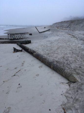 Sztormowe fale znowu niszczą ustecką rafę - ustka24.info