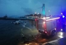 Akcja ratownicza na redzie portu Ustka. Wywróciły się dwie żaglówki z dziećmi - ustka24.info