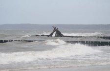 Sztormy znowu zniszczyły elementy podwodnej rafy - ustka24.info