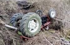 Ciągnik przygniótł dwie osoby w Wodnicy koło Ustki - ustka24.info
