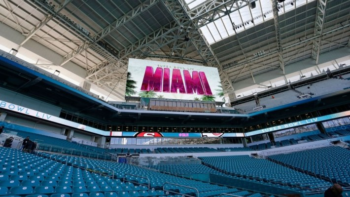 Super Bowl Tickets: Here's What A $40,000 Ticket Will Get with regard to Super Bowl Miami Stadium