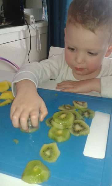 d-cutting-fruit-for-push-pops.jpg.jpeg