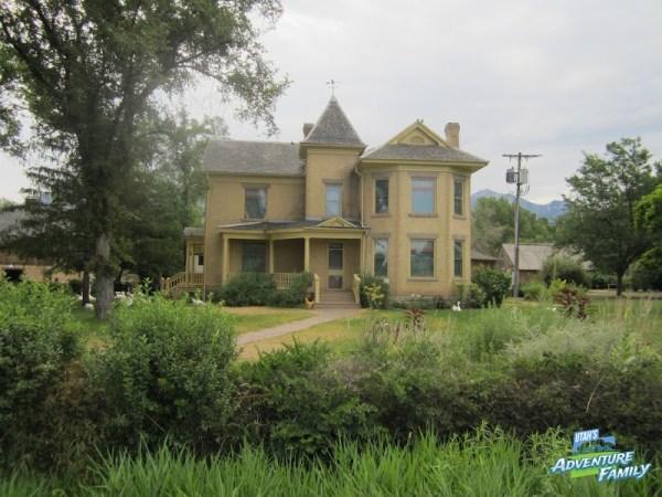 the farm house is beautiful - Wheeler Farm Halloween