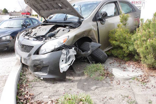 https://i2.wp.com/utahvalley360.com/wp-content/uploads/2015/03/DUI-roundabout-crash.jpg
