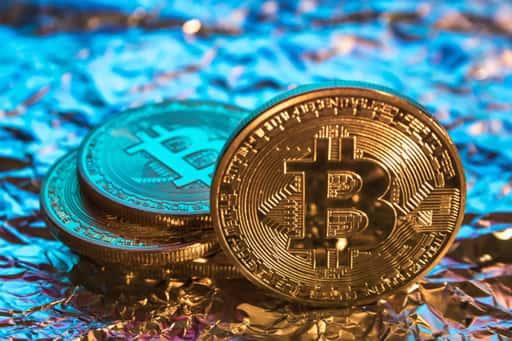 オンラインカジノでも標準通貨の期待高まるビットコイン