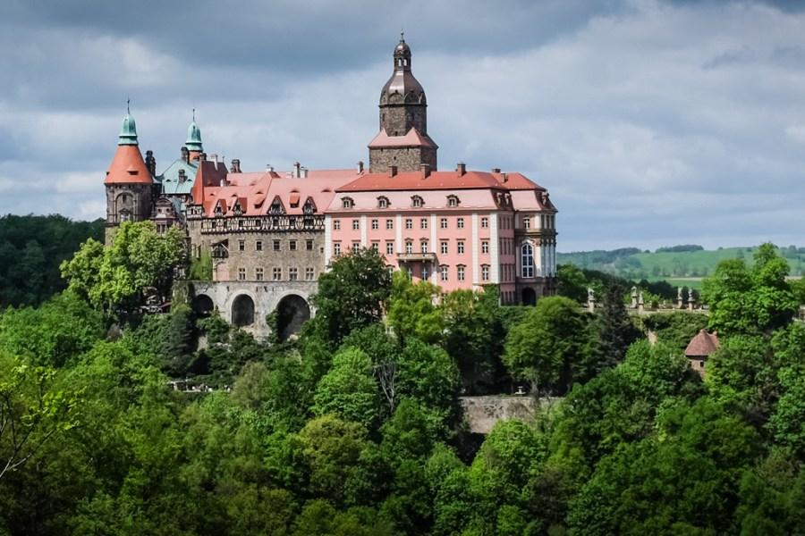 A kalandfilmbe illő Ksiaz-kastély, mely majdnem Hitler főhadiszállásává lett